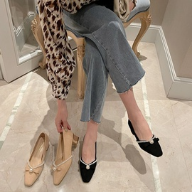 Spring And Autumn Bow Pearl Thick Heel Shoes NSHU29770