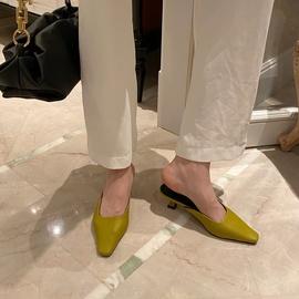 Fashion Small Square Toe Mid-heel Sandals NSHU31937