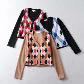 V-neck Diamond Plaid Single-breasted Sweater  NSAC33807