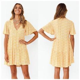 Short-sleeved V-neck Floral Dress NSAXE47368