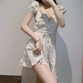 Low-cut V-neck Lace-up Retro Floral Dress   NSAC48935