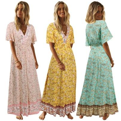 Short-sleeved V-neck Floral Dress NSMAN51425
