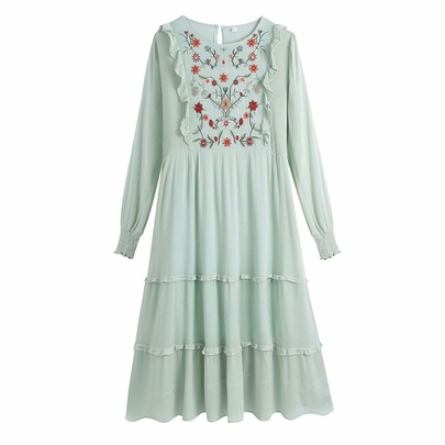 Flower Embroidery Long-sleeved Loose Holiday Cotton Long Dress  NSAM53187