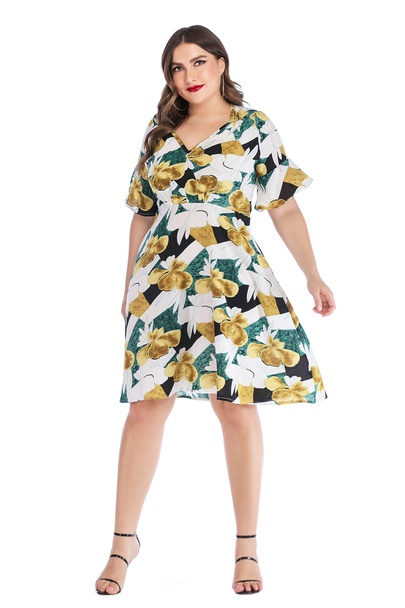 Plus Size V-neck Lotus Leaf Print Stitching Dress  NSLIB55570